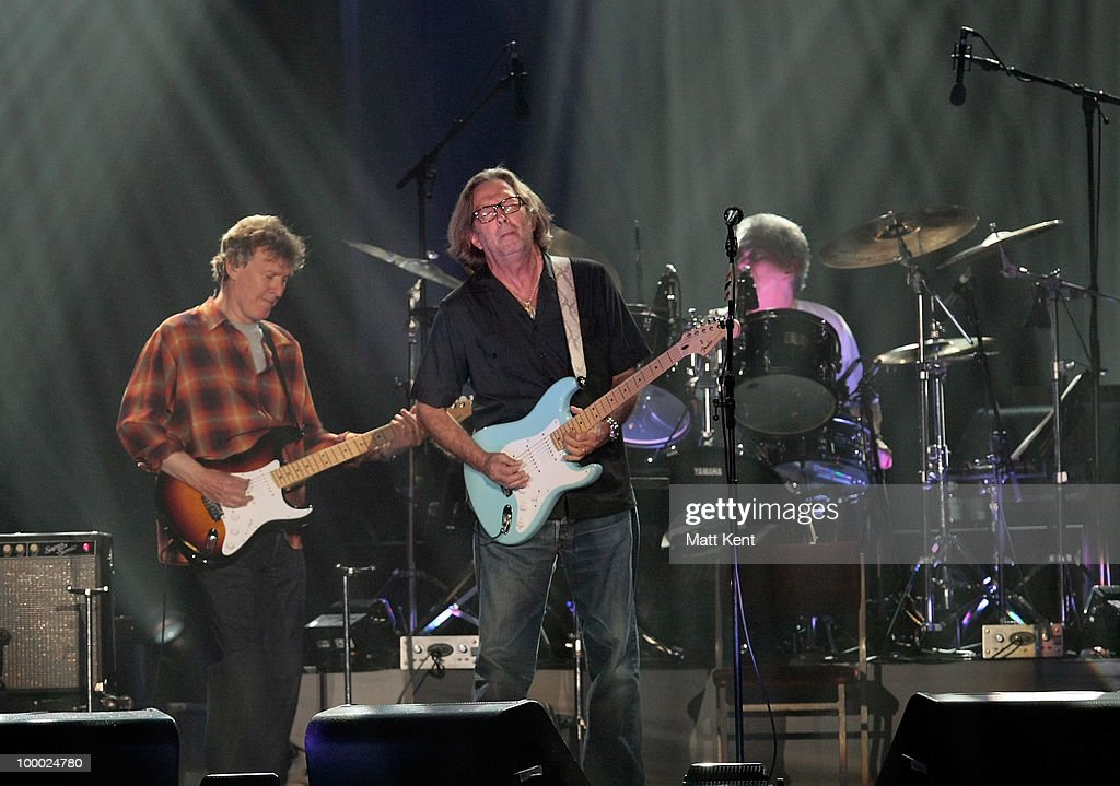 Steve Winwood (L) and Eric Clapton perform at Wembley Arena on May 20, 2010 in London, England.