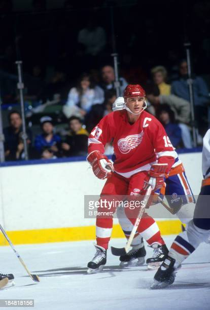 Steve Yzerman of the Detroit Red Wings skates on the ice during an NHL game against the New York Islanders on February 21 1989 at the Nassau Coliseum...