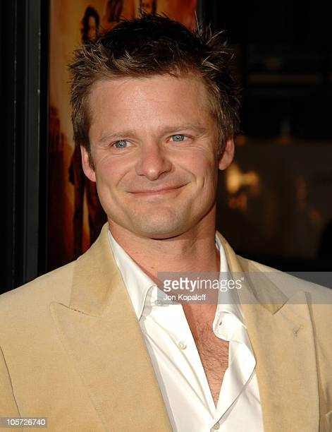 """Steve Zahn during """"Sahara"""" Los Angeles Premiere- Arrivals at Grauman's Chinese Theater in Hollywood, California, United States."""