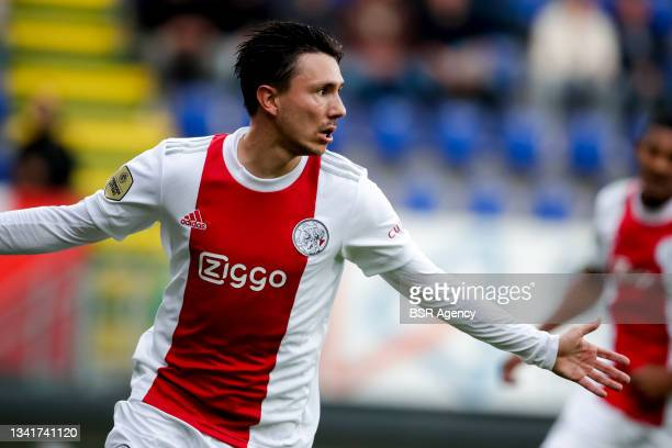 Steven Berghuis of Ajax celebrates after scoring his sides first goal during the Dutch Eredivisie match between Fortuna Sittard and Ajax at Fortuna...