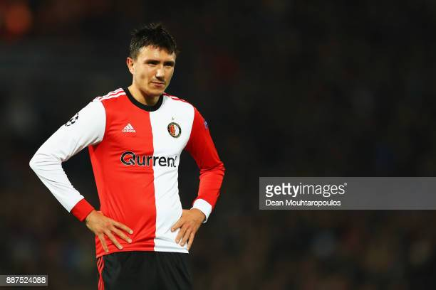 Steven Berghuis of Feyenoord looks on during the UEFA Champions League group F match between Feyenoord and SSC Napoli at Feijenoord Stadion on...