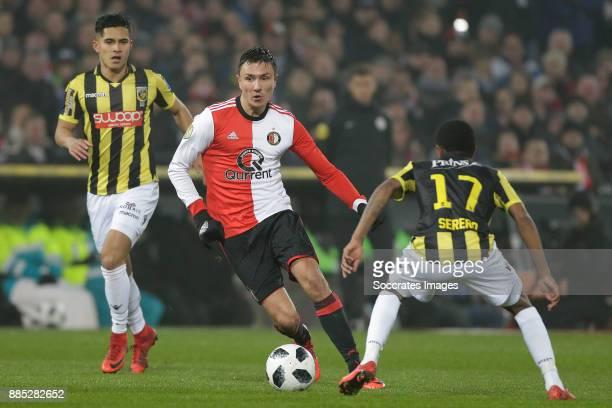 Steven Berghuis of Feyenoord Thulani Serero of Vitesse during the Dutch Eredivisie match between Feyenoord v Vitesse at the Stadium Feijenoord on...