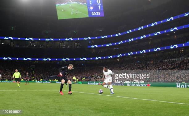 Steven Bergwijn of Tottenham in action during the UEFA Champions League round of 16 first leg match between Tottenham Hotspur and RB Leipzig at...