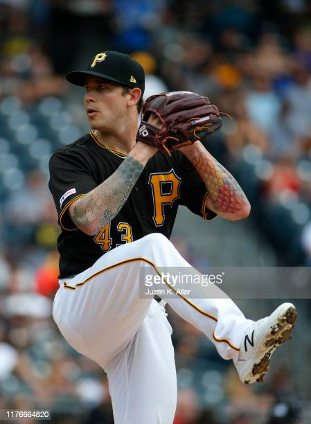 Steven Brault of the Pittsburgh Pirates in action against the Chicago Cubs at PNC Park on August 17, 2019 in Pittsburgh, Pennsylvania.