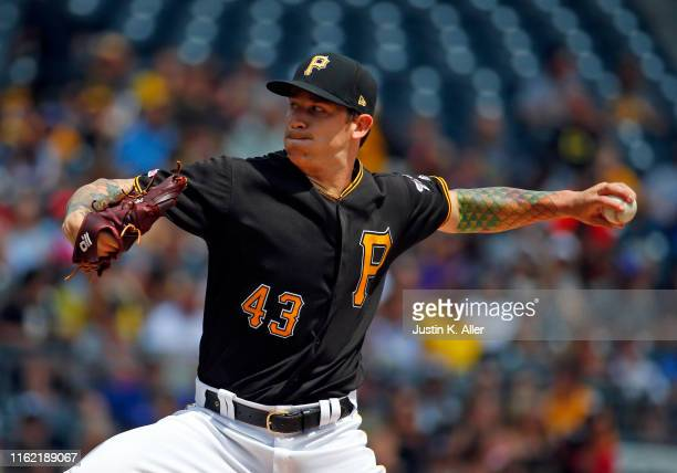 Steven Brault of the Pittsburgh Pirates pitches in the first inning against the Chicago Cubs at PNC Park on August 17, 2019 in Pittsburgh,...