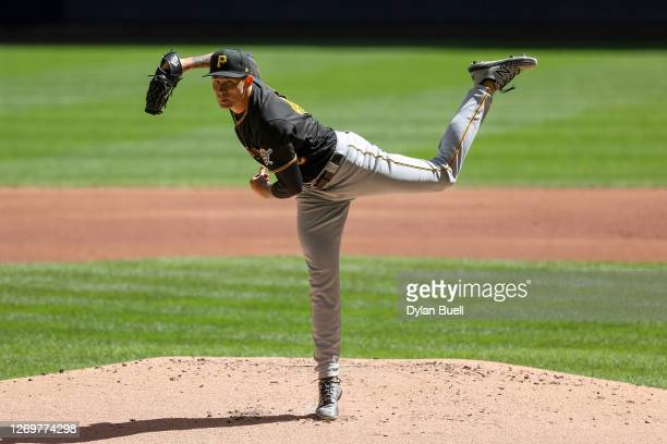 Steven Brault of the Pittsburgh Pirates pitches in the first inning against the Milwaukee Brewers at Miller Park on August 30, 2020 in Milwaukee,...