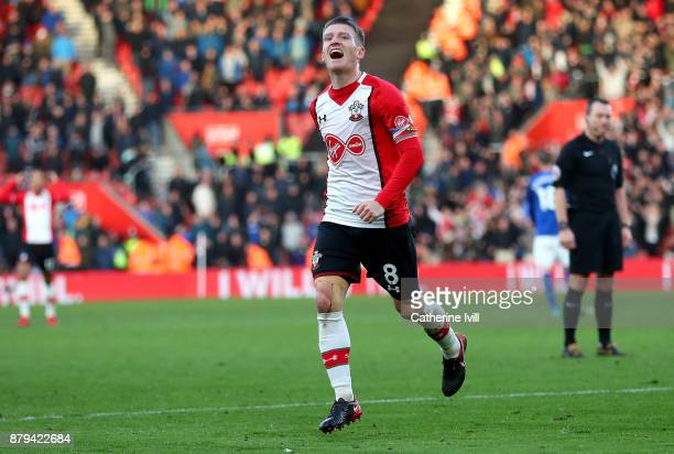 Steven Davis of Southampton celebrates scoring the 4th Southampton goal during the Premier League match between Southampton and Everton at St Mary's...