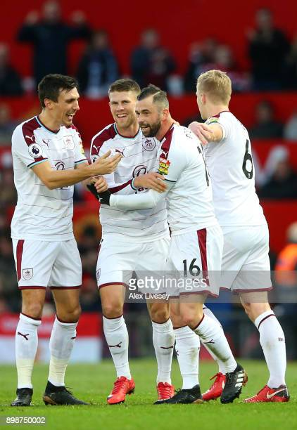 Steven Defour of Burnley celebrates scoring the 2nd Burnley goal with Ben Mee Johann Gudmundsson and Jack Cork during the Premier League match...