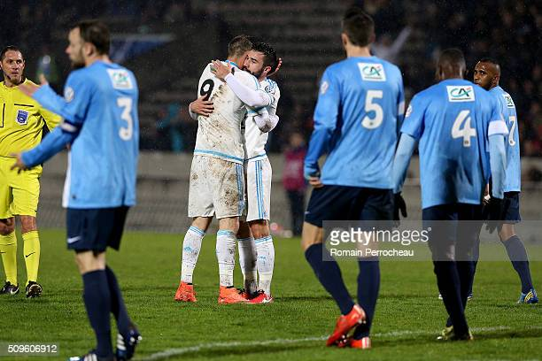Steven Fletcher congrats Romain Alessandrini of Olympique de Marseille after his goal during the French Cup match between Trelissac FC and Olympique...