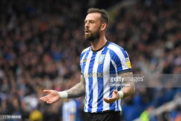 Steven Fletcher of Sheffield Wednesday reacts after scoring but the goal is ruled out for offside during the Sky Bet Championship match between...