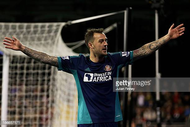 Steven Fletcher of Sunderland celebrates after scoring the opening goal during the Barclays Premier League match between Fulham FC and Sunderland AFC...