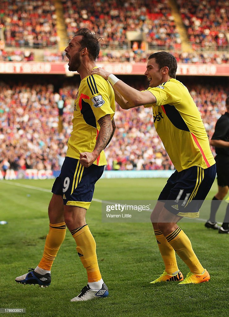 Steven Fletcher (L) of Sunderland celebrates his goal with Adam Johnson during the Barclays Premier League match between Crystal Palace and Sunderland at Selhurst Park on August 31, 2013 in London, England.