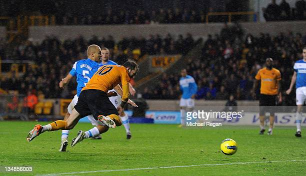 Steven Fletcher of Wolves scores to make it 11 during the Barclays Premier League match between Wolverhampton Wanderers and Sunderland at Molineux on...