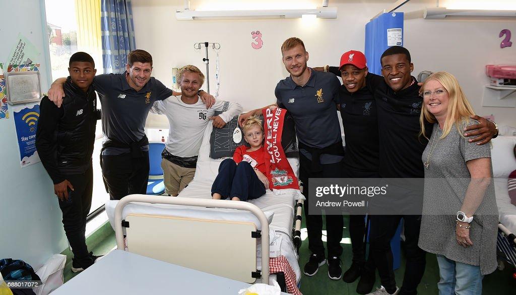 Steven Gerrard ex player for Liverpool with Rhian Brewster, Ragnar Klavan, Nathaniel Clyne and Georginio Wijnaldum of Liverpool during a visit to Sydney Children's Hospital on May 25, 2017 in Sydney, Australia.
