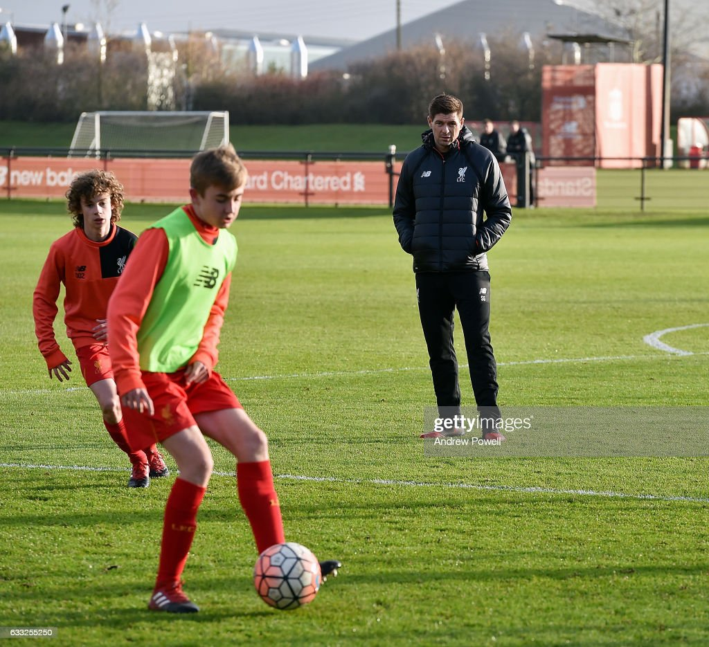 Steven Gerrard's First Day as Liverpool Academy Coach : News Photo