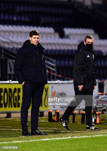 Steven Gerrard, Manager of Rangers looks on during the Ladbrokes Scottish Premiership match between St.Mirren and Rangers at The Simple Digital Arena...
