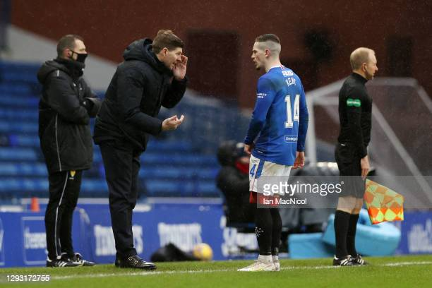 Steven Gerrard, Manager of Rangers talks with Ryan Kent of Rangers during the Ladbrokes Scottish Premiership match between Rangers and Hibernian at...