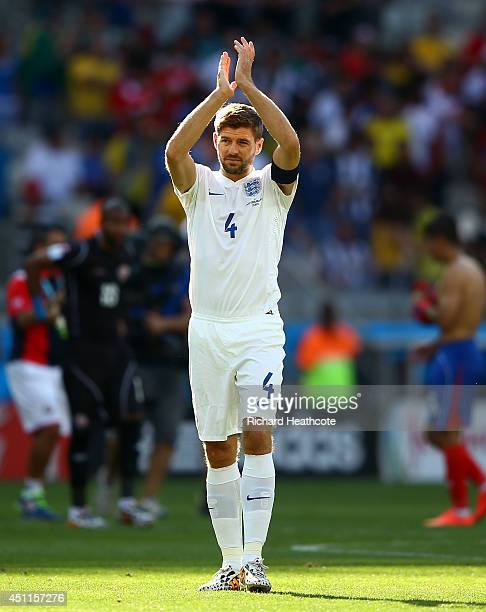 Steven Gerrard of England acknowledges the fans after a 00 draw during the 2014 FIFA World Cup Brazil Group D match between Costa Rica and England at...