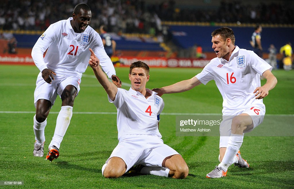 Soccer - 2010 FIFA World Cup South Africa - Group C - England v USA : News Photo