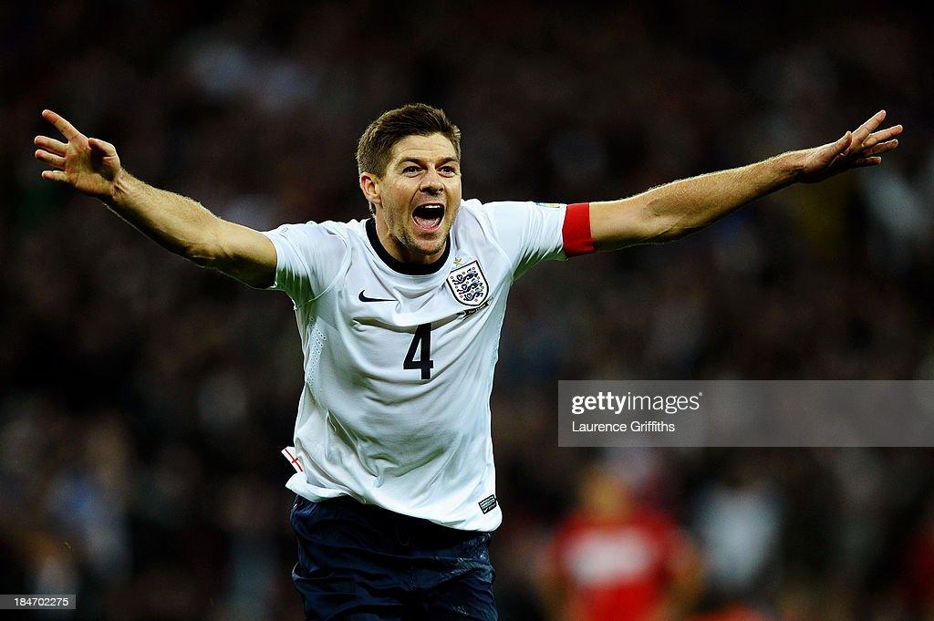 England v Poland - FIFA 2014 World Cup Qualifier : News Photo