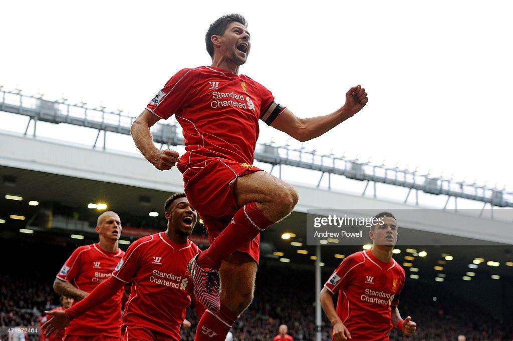 Liverpool v Queens Park Rangers - Premier League : News Photo