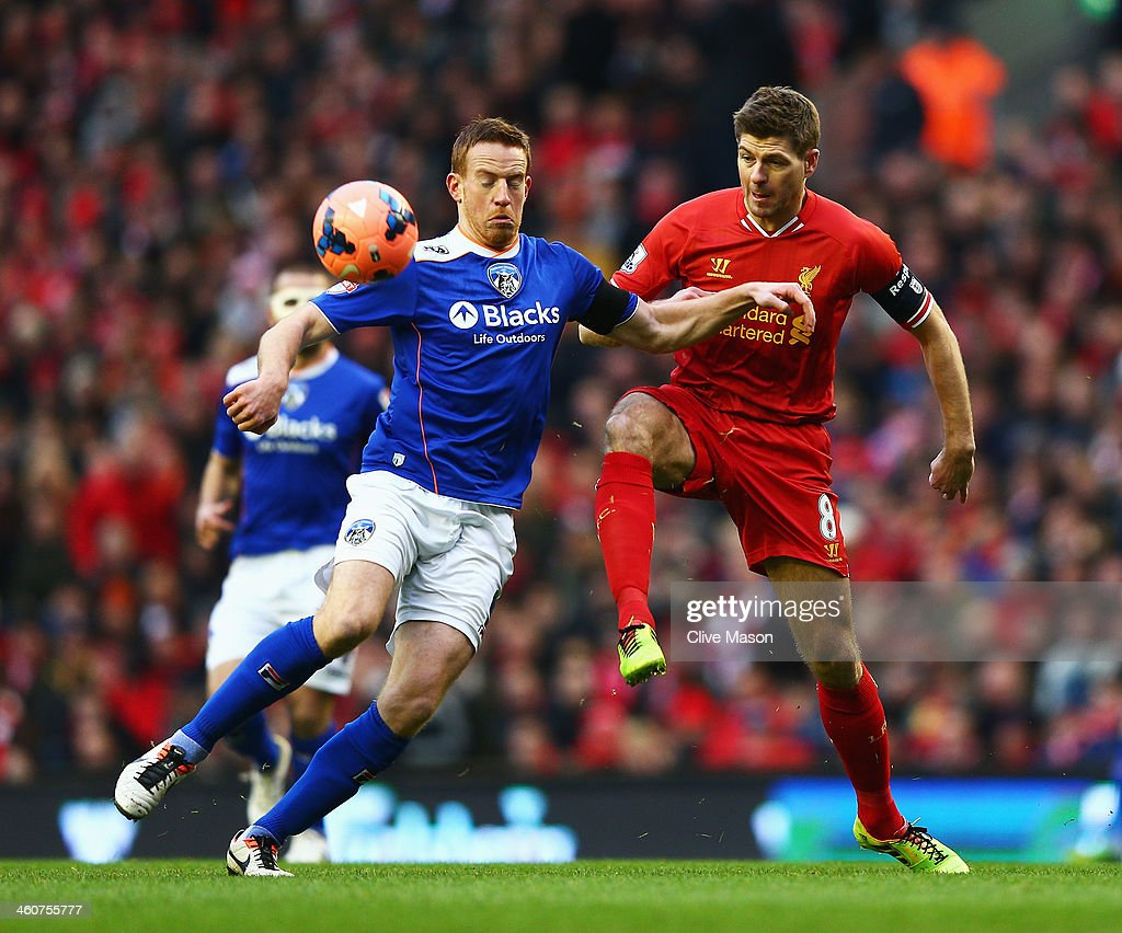 Liverpool v Oldham Athletic - FA Cup Third Round : News Photo