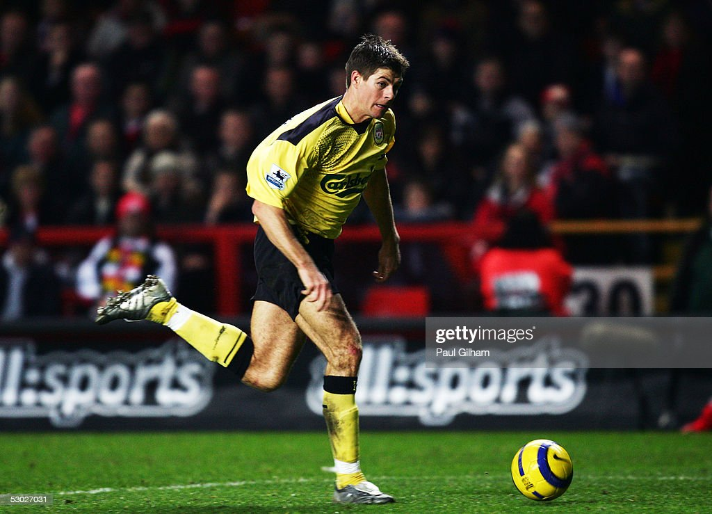 FEBRUARY 1, LONDON, ENGLAND; Steven Gerrard of Liverpool during the Barclays Premiership match between Charlton Athletic and Liverpool at The Valley on February 1, 2005 in London, England.