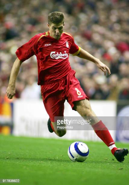 Steven Gerrard of Liverpool in action during the Barclays Premiership match between Liverpool and Chelsea at Anfield in Liverpool on October 2 2005...