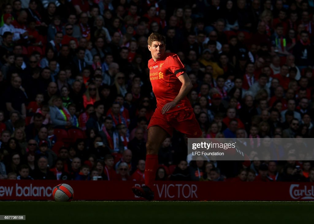 Liverpool Legends v Real Madrid Legends: LFC Foundation Charity Match : News Photo