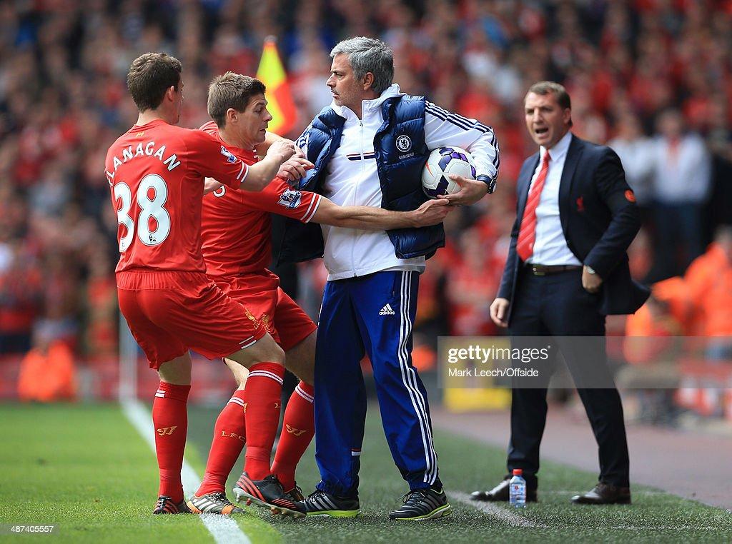 Liverpool v Chelsea - Barclays Premier League : News Photo