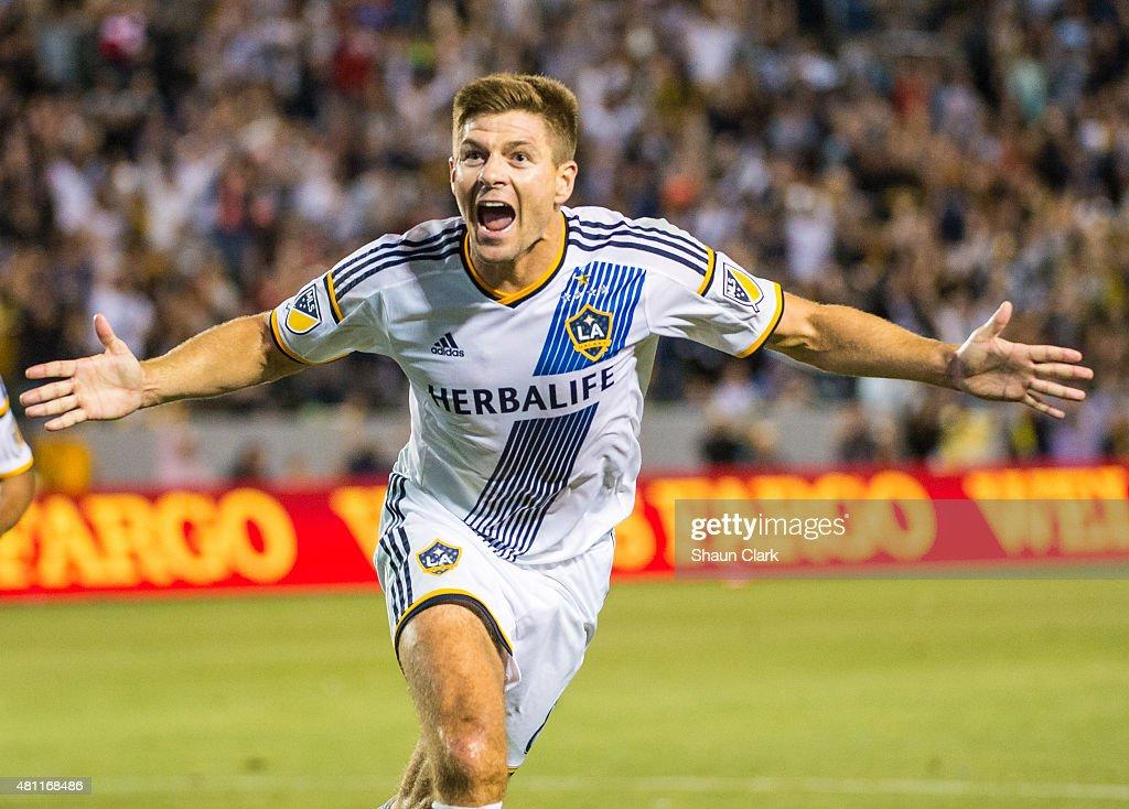 MLS Soccer - Los Angeles Galaxy v San Jose Earthquakes : News Photo