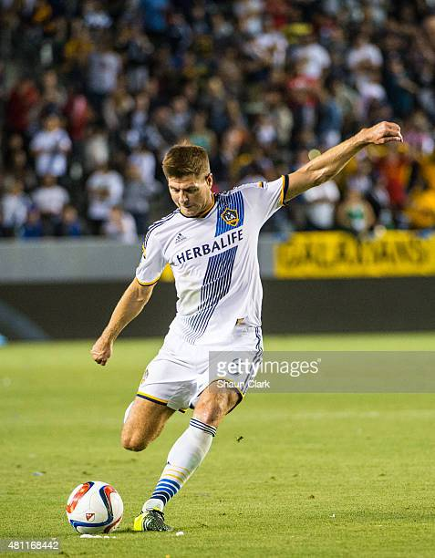 Steven Gerrard of Los Angeles Galaxy takes a free kick outside the box during Los Angeles Galaxy's MLS match against San Jose Earthquakes at the...