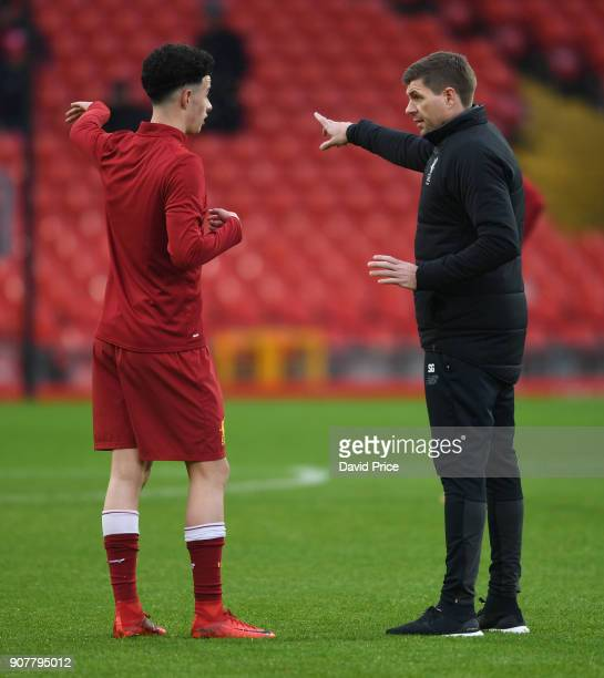Steven Gerrard the Liverpool U18 Manager talks to Curtis Jones of Liverpool before the FA Youth Cup 4th Round match between Liverpool and Arsenal at...