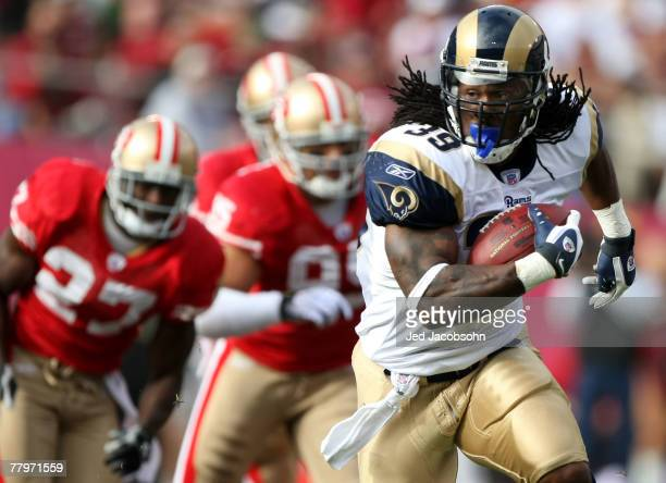 Steven Jackson of the St Louis Rams runs for a 37 yard gain against the San Francisco 49ers at Monster Park November 18 2007 in San Francisco...