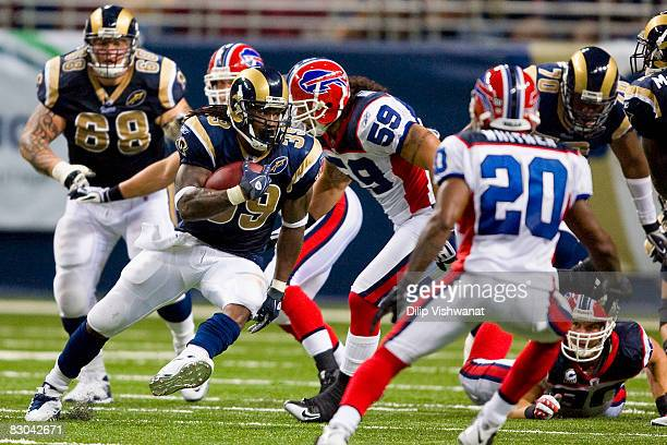 Steven Jackson of the St Louis Rams rushes against the Buffalo Bills at the Edward Jones Dome on September 28 2008 in St Louis Missouri The Bills...