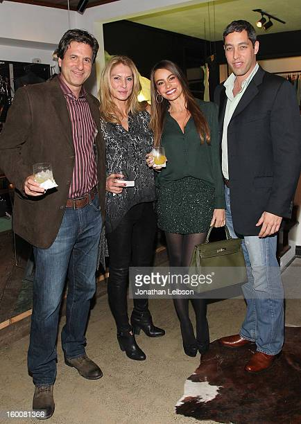 Steven Levitan Krista Levitan Sof'a Vergara and Nick Loeb attend the Modern Family Pre SAG Dinner At Levi's Haus at Levi's Haus on January 25 2013 in...