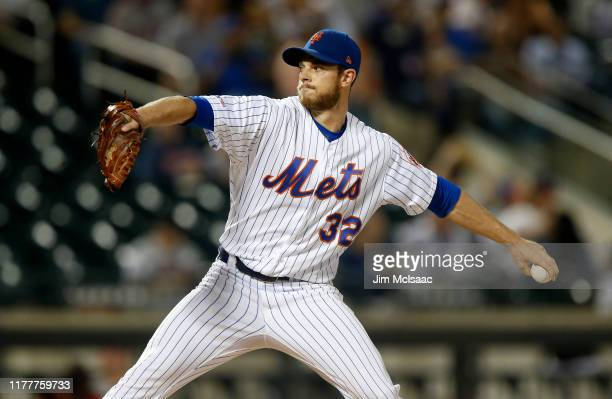 Steven Matz of the New York Mets pitches during the first inning against the Atlanta Braves at Citi Field on September 28, 2019 in New York City.