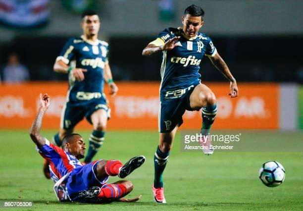 Steven Mendoza of Bahia and Dudu of Palmeiras and China of Bahia in action during the match between Palmeiras v Bahia for the Brasileirao Series A...