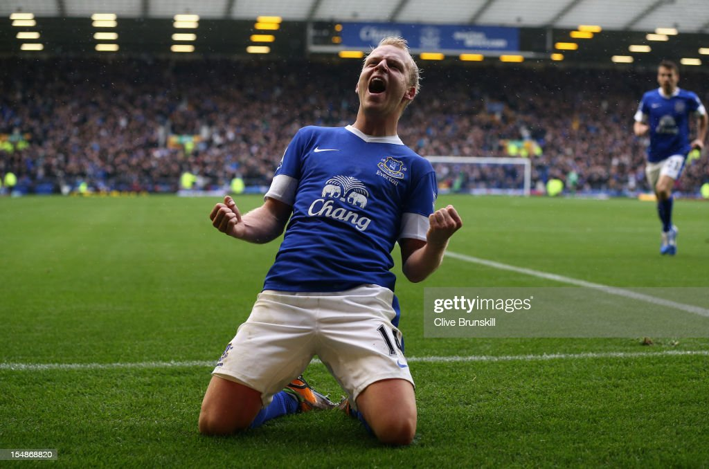 Steven Naismith of Everton celebrates scoring his team's second goal during the Barclays Premier League match between Everton and Liverpool at Goodison Park on October 28, 2012 in Liverpool, England.