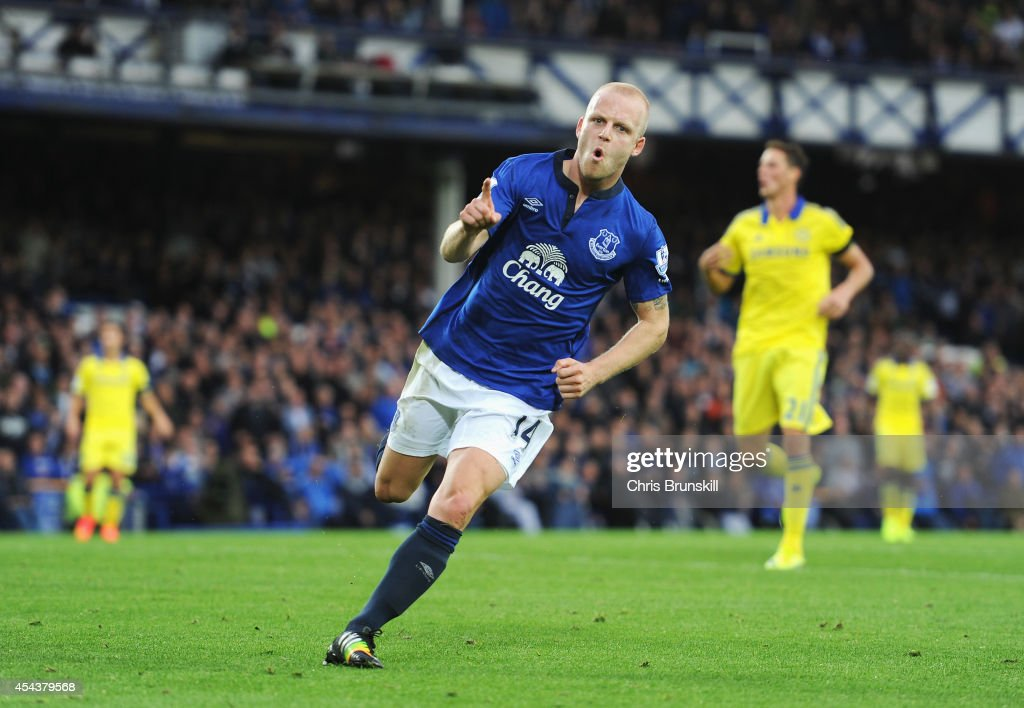 Steven Naismith of Everton celebrates scoring his team's second goal during the Barclays Premier League match between Everton and Chelsea at Goodison Park on August 30, 2014 in Liverpool, England.