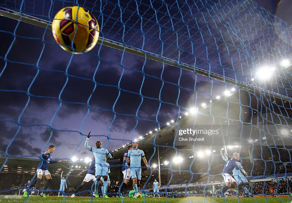 Steven Naismith (R) of Everton turns away to celebrate after scoring a goal to level the scores at 1-1 during the Barclays Premier League match between Everton and Manchester City at Goodison Park on January 10, 2015 in Liverpool, England.