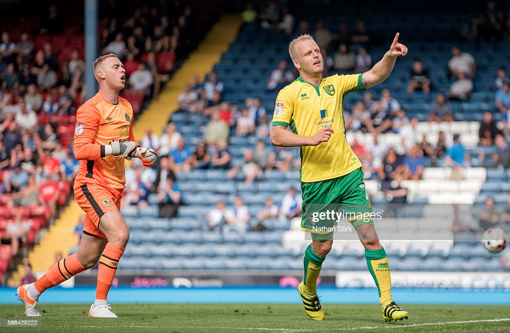 Steven Naismith of Norwich celebrates after scoring his sides fourth goal during the Sky Bet Championship match between Blackburn Rovers and Norwich City at Ewood park on August 6, 2016 in Blackburn, England.
