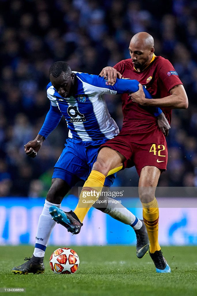 FC Porto v AS Roma - UEFA Champions League Round of 16: Second Leg : News Photo