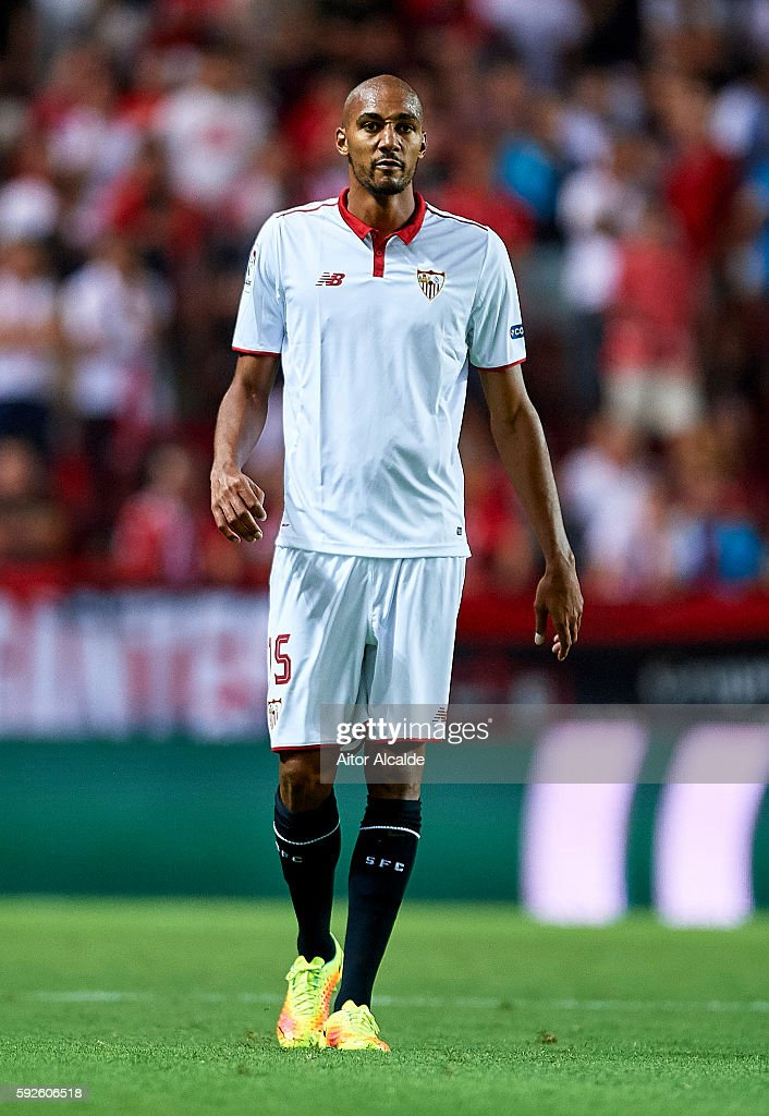Steven N'Zonzi of Sevilla FC looks on during the match between Sevilla FC vs RCD Espanyol as part of La Liga at Estadio Ramon Sanchez Pizjuan on August 20, 2016 in Seville, Spain.