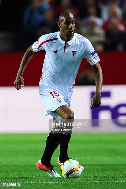 Steven N'Zonzi of Sevilla FC runs with the ball during the UEFA Europa League quarter final second leg match between Sevilla and Athletic Bilbao at...