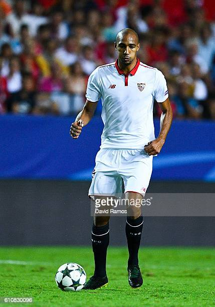 Steven N'Zonzi of Sevilla FC runs with the ball during the UEFA Champions League Group H match between Sevilla FC and Olympique Lyonnais at the Ramon...