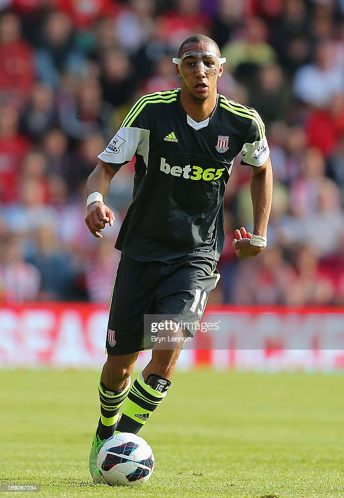 Steven N'Zonzi of Stoke City in action during the Barclays Premier League match between Southampton and Stoke City at St Mary's Stadium on May 19, 2013 in Southampton, England.