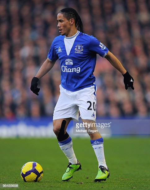 Steven Pienaar of Everton on the ball during the Barclays Premier League match between Everton and Burnley at Goodison Park on December 28 2009 in...