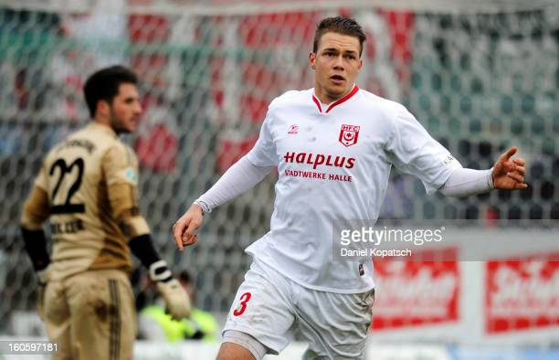 Steven Ruprecht of Halle celebrates his team's third goal during the third Bundesliga match between SpVgg Unterhaching and Hallescher FC on February...