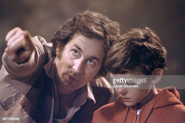 Steven Spielberg and Henry Thomas on the set of ET
